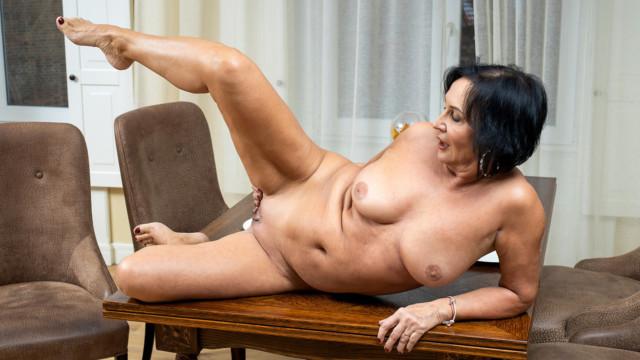 Olivia Westervelt - Amateur Masturbation