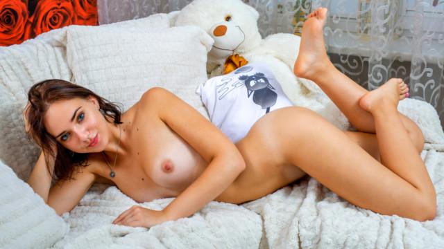 Oxana - Teen Cutie