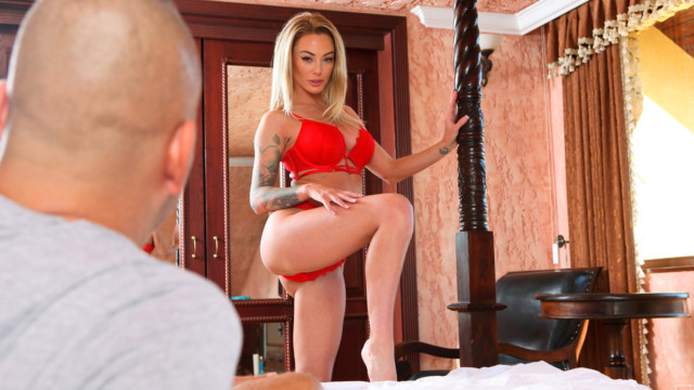 Isabelle Deltore - The Way She Moves